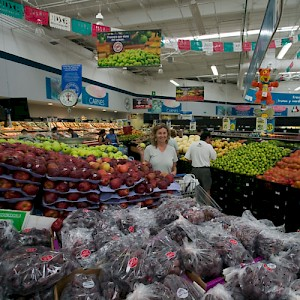 Here we find a casual Meridana inspecting the produce inside the local Walmart store. Not that she ever buys anything (except organic and local products) from Walmart. It would be against her principles... Really! <a href=></a>