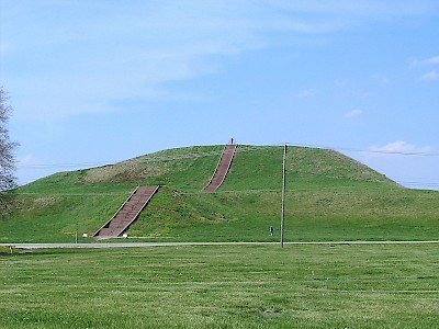 """Monks Mound in July"" by Skubasteve834 - EN.Wikipedia. Licensed under CC BY-SA 3.0 via Commons <a href=></a>"