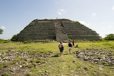 The top mound of the pyramid in Izamal <a href=></a>
