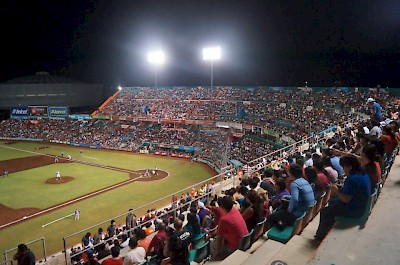 The crowds are getting bigger for the Leones of Yucatan <a href=></a>