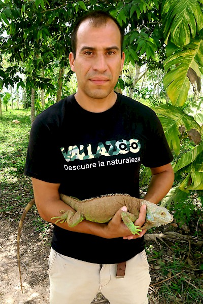 Jonathon Josue Navarro Conseca, Director General of Vallazoo <a href=></a>