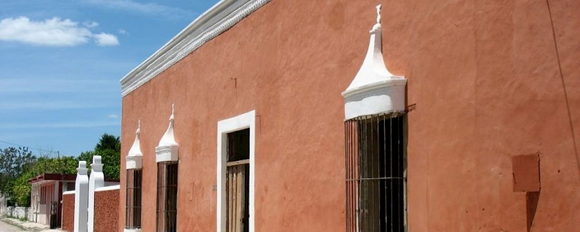 HISTORIC MANSION NEAR IZAMAL (TY)