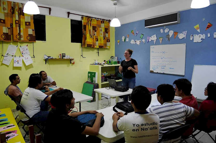 Na'atik opens English Language Library in the Zona Maya