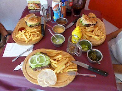Sharing hamburgers in Merida Yucatan <a href=></a>